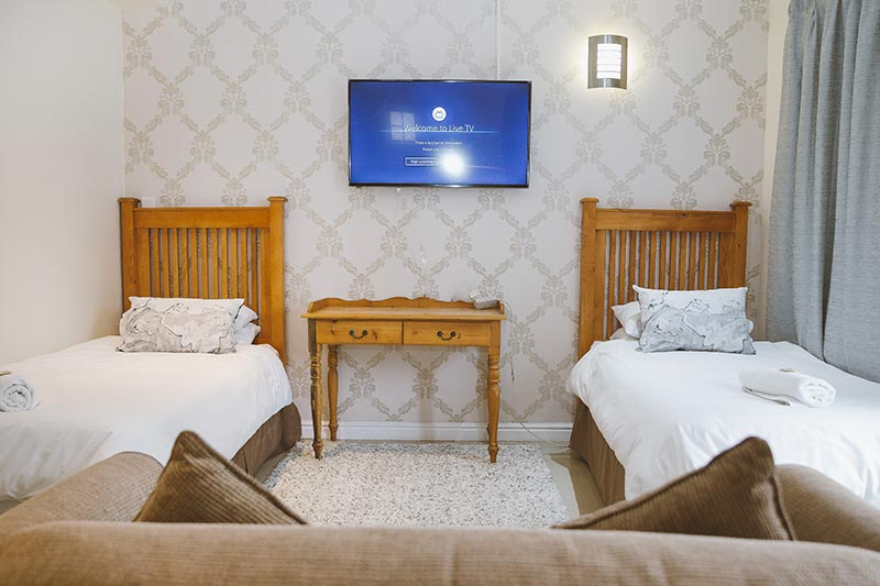 Guest House Accommodation Port Elizabeth | Victoria & Albert